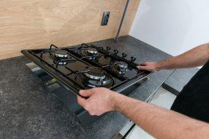 sprawdzanie palników kuchenki